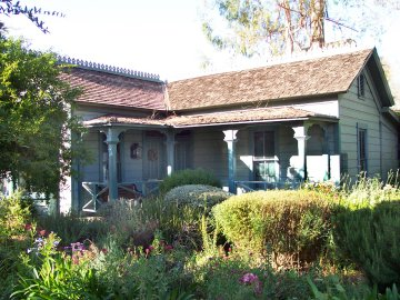 100 historic 1880s victorian adobe house for Adobe home builders california